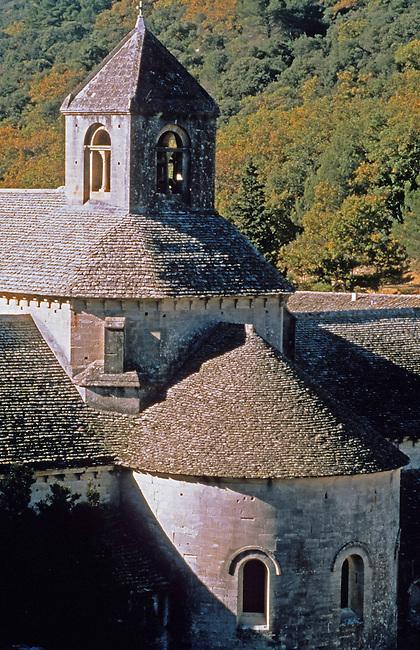 Vaucluse, France. Abbaye de Senanque (XIIe s.) *** Senanque abbey (XII c.). France, Vaucluse.