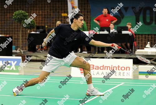 2012-02-05 / Seizoen 2011-2012 / Badminton / Belgische kampioenschappen / Yuhan Tan, die bijna de olympische kwalificatie op zak heeft, neemt het in de men's singles op tegen M. Moreels..Foto: mpics