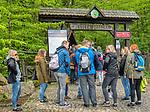 Święty Krzyż, 02-05-2019. Brama wejściowa na teren Świętokrzyskiego Parku Narodowego.