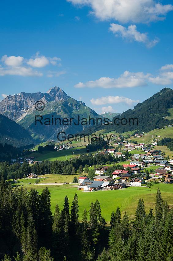Austria, Vorarlberg, Kleinwalsertal, Riezlern: with Allgaeu Alps and summit Widderstein | Oesterreich, Vorarlberg, Kleinwalsertal, Riezlern: im Hintergrund die Allgaeuer Alpen mit dem Widderstein