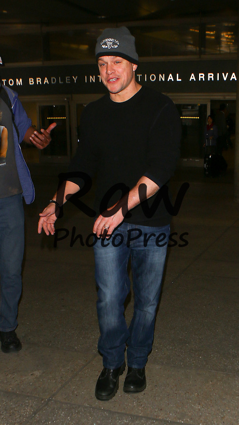 Matt Damon ha llegado al aeropuerto internacional de Los &Aacute;ngeles.<br /> <br /> Photo &copy; 2016 PRI/The Grosby Group<br /> <br /> Los Angeles, Feb 24, 2016<br /> <br /> Matt Damon arriving to LAX