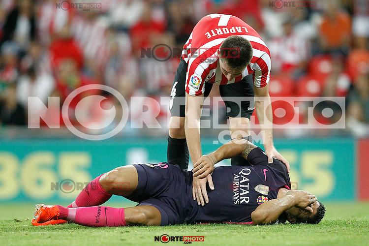 Athletic de Bilbao's Aymeric Laporte (t) and FC Barcelona's Luis Suarez injured during La Liga match. August 28,2016. (ALTERPHOTOS/Acero) /NORTEPHOTO