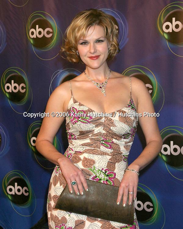 Sara Rue.ABC TV TCA Party.The Wind Tunnel.Pasadena, CA.January 21, 2006.©2006 Kathy Hutchins / Hutchins Photo....