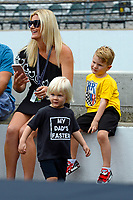Verizon IndyCar Series<br /> Indianapolis 500 Drivers Meeting<br /> Indianapolis Motor Speedway, Indianapolis, IN USA<br /> Saturday 27 May 2017<br /> Rocsen Hunter-Reay wears a &quot;My Dad's Faster&quot; shirt to the driver's meeting. Mother Beccy and brother Ryden in the background.<br /> World Copyright: F. Peirce Williams