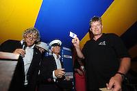 SKUTSJESILEN: GROU: Tent Halbertsmaplein, 27-07-2012, Jan Feike Hoekstra (voorzitter SKG), Sicco van der Meer (SKG), schipper Jaap Zwaga (Langweer), ©foto Martin de Jong