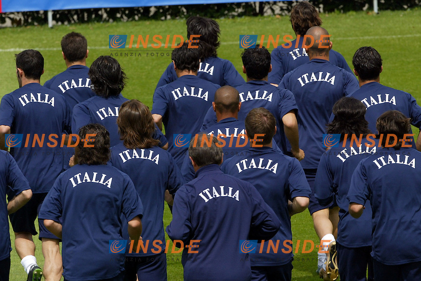 Coverciano 27/5/2004 Ritiro della nazionale italiana in vista degli Europei 2004 in Portogallo. <br /> Allenamento della nazionale Italiana<br /> Foto Andrea Staccioli Insidefoto