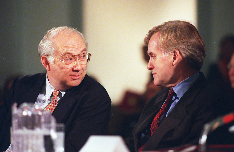 3/6/98.MEDICARE COMMISSION--Phil Gramm,R-Texas, and Bob Kerrey,D-Neb.,talk before the start of the first meeting of the National Commission on the Future of Medicare..CONGRESSIONAL QUARTERLY PHOTO BY DOUGLAS GRAHAM