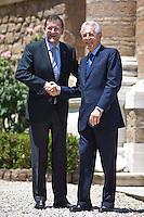 Mario Monti riceve il primo Ministro Spagnolo Mariano Rajoy a Villa Madama per il vertice tra Italia, Spagna, Germania e Francia..Italian Prime Minister Mario Monti (R)  receives Spanish Premier Mariano Rajoy at Villa Madama in Rome to attend a meeting with Spain German, France and Italy.