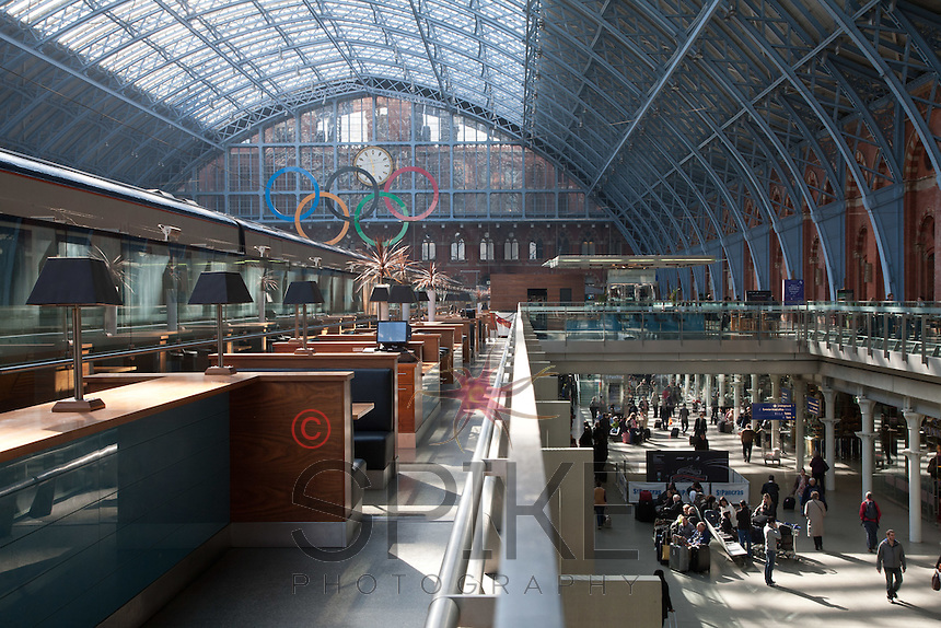 Proudly diplaying the Olympic Rings logo, St Pancras Station is one of many public areas that are promoting the London 2012 games to visitors from all over the world.<br />