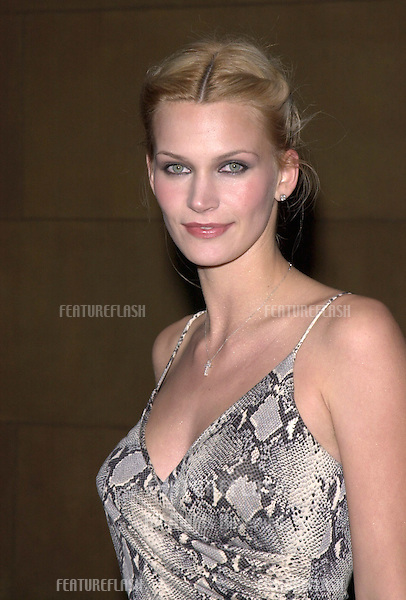 "13DEC99: Actress NATASHA HENSTRIDGE at the Los Angeles premiere of boyfriend Liam Waite's new movie ""Simpatico."".© Paul Smith / Featureflash"