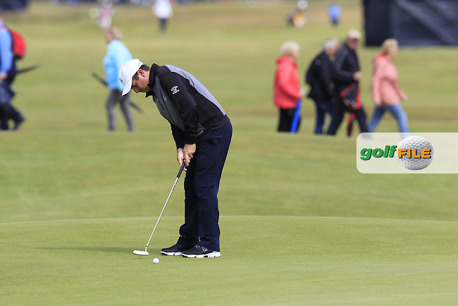 Thomas AIKEN (RSA) putts on the 16th green during Monday's Final Round of the 144th Open Championship, St Andrews Old Course, St Andrews, Fife, Scotland. 20/07/2015.<br /> Picture Eoin Clarke, www.golffile.ie