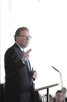 Volvos vd Leif Johansson talar vid Scouternas ledarskapsseminarium på Slottet.