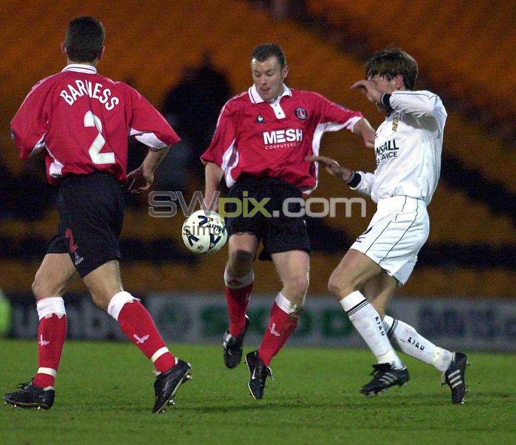 Pix: Ben Duffy....Nationwide League Division 1, Port Vale v  Charlton.....04/04/00..COPYWRIGHT PICTURE>>SIMON WILKINSON>>01943 436649>>..Port Vales Ville Vijanen & Charltons Graham Stuart