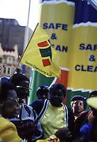 Sudafrica Johannesbourg: donne africane ad una manifestazione politica nel  1999.