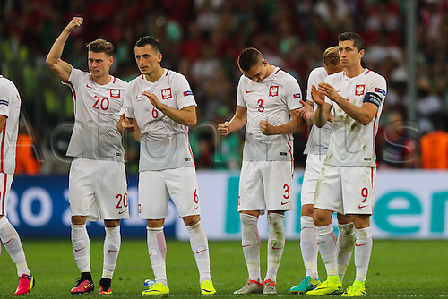 30.06.2016. Marseille, France. UEFA EURO 2016 quarter final match between Poland and Portugal at the Stade Velodrome in Marseille, France, 30 June 2016.   Lukasz Piszczek (POL), Tomasz Jodlowiec (POL), Artur Jedrzejczyk (POL), Robert Lewandowski (POL), Lukasz Piszczek (POL)  thank te fans after going out on penalties