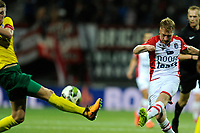 EMMEN - Voetbal, FC Emmen - Fortuna Sittard, Jens Vesting, Jupiler League, seizoen 2017-2018, 08-09-2017, uithaal FC Emmen speler Youri Loen