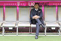FUSSBALL   1. BUNDESLIGA  SAISON 2011/2012   29. Spieltag FC Bayern Muenchen - FC Augsburg       07.04.2012 Trainer Jos Luhukay (FC Augsburg)