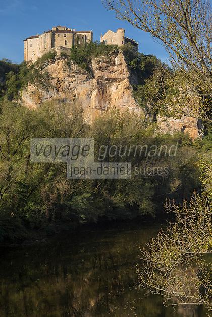 France, Midi-Pyrénées, Tarn-et-Garonne, (82),Bruniquel: Châteaux de Bruniquel  et vallée de l'Aveyron // France, Midi Pyrenees, Tarn et Garonne, Bruniquel: