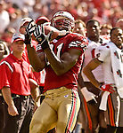 San Francisco 49ers wide receiver Terrell Owens (81) catches pass on Sunday, October 19, 2003, in San Francisco, California. The 49ers defeated the Buccaneers 24-7.
