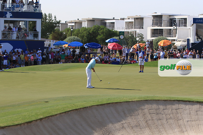 Matthew Fitzpatrick (ENG) on the 18th green during Round 4 of the DP World Tour Championship 2017, at Jumeirah Golf Estates, Dubai, United Arab Emirates. 19/11/2017<br /> Picture: Golffile | Thos Caffrey<br /> <br /> <br /> All photo usage must carry mandatory copyright credit     (&copy; Golffile | Thos Caffrey)