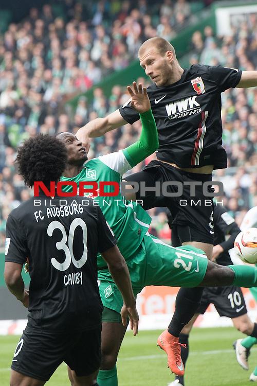 09.04.2016, Weser Stadion, Bremen, GER, 1.FBL. Werder Bremen vs FC Augbsurg, im Bild<br /> <br /> Francisco da Silva Caiuby (FC Augsburg #30)<br /> Anthony Ujah (Bremen #21)<br /> Ragnar Klavan (FC Augsburg #5)<br /> <br /> Foto &copy; nordphoto / Kokenge