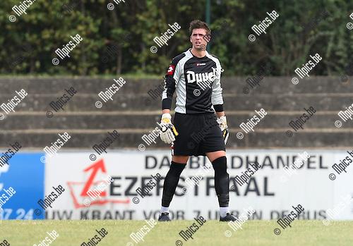 2009-09-06 / Voetbal / seizoen 2009-2010 / Willebroek-Meerhof - VV Hamme / Jonas Tanghe..Foto: Maarten Straetemans (SMB)