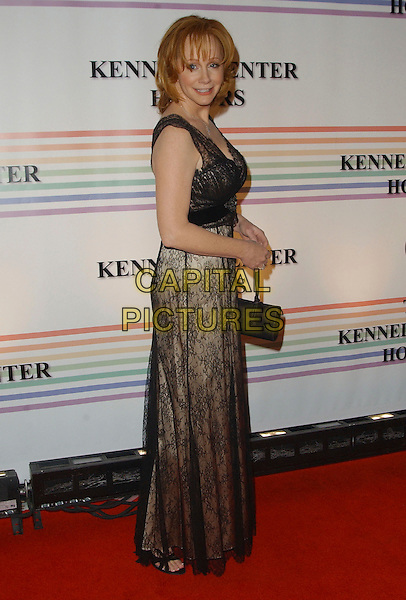 REBA McENTIRE.Arrivals - 29th Annual Kennedy Center Honors, .held at the John F. Kennedy Center for the Performing Arts, Washington, D.C. USA, 03 December 2006..full length .CAP/ADM/GS.©George Shepherd/AdMedia/Capital Pictures