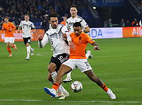 Mats Hummels (Deutschland Germany) gegen Memphis Depay (Niederlande) - 19.11.2018: Deutschland vs. Niederlande, 6. Spieltag UEFA Nations League Gruppe A, DISCLAIMER: DFB regulations prohibit any use of photographs as image sequences and/or quasi-video.