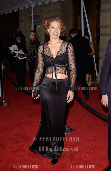 Actress ALEX KINGSTON at the 28th Annual People's Choice Awards in Pasadena..13JAN2002..© Paul Smith/Featureflash