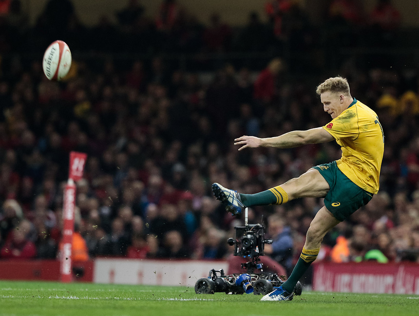 Australia's Reece Hodge nails a long range penalty<br /> <br /> Photographer Simon King/CameraSport<br /> <br /> International Rugby Union - 2017 Under Armour Series Autumn Internationals - Wales v Australia - Saturday 11th November 2017 - Principality Stadium - Cardiff<br /> <br /> World Copyright &copy; 2017 CameraSport. All rights reserved. 43 Linden Ave. Countesthorpe. Leicester. England. LE8 5PG - Tel: +44 (0) 116 277 4147 - admin@camerasport.com - www.camerasport.com