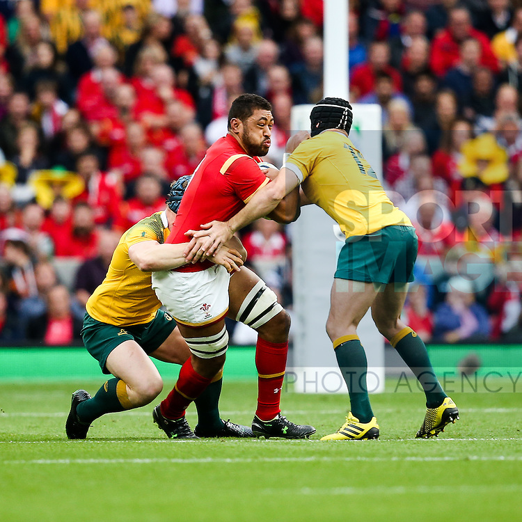 Wales' Taulupe Faletau and Australia's Matt Giteau - Rugby World Cup 2015 - Pool A - Australia v Wales - Twickenham Stadium - London- England - 10th October 2015 - Picture Charlie Forgham Bailey/Sportimage