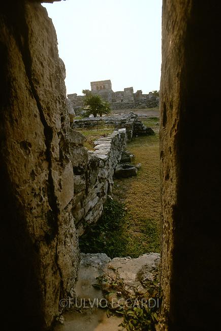 Mexico, Quintana Roo, Tulum, arqueological sites, arqueology, maya, pyramid, architecture, inside