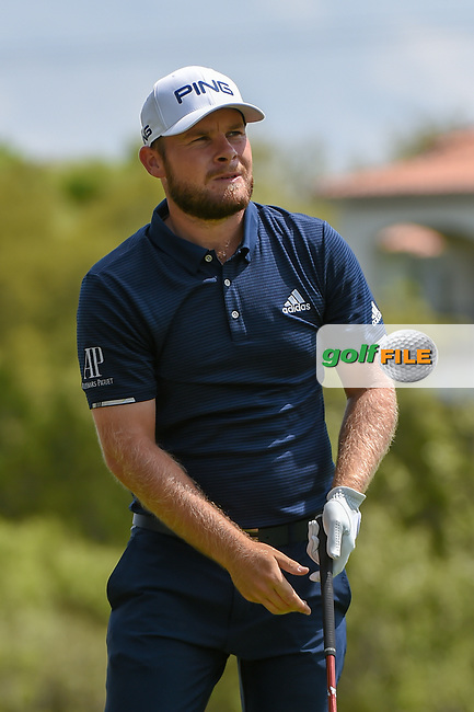 Tyrrell Hatton (ENG) watches his tee shot on 3 during day 2 of the WGC Dell Match Play, at the Austin Country Club, Austin, Texas, USA. 3/28/2019.<br /> Picture: Golffile   Ken Murray<br /> <br /> <br /> All photo usage must carry mandatory copyright credit (© Golffile   Ken Murray)