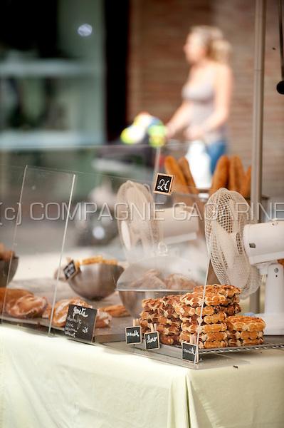 A food shop on the local market in Louvain-La-Neuve (Belgium, 20/08/2013)