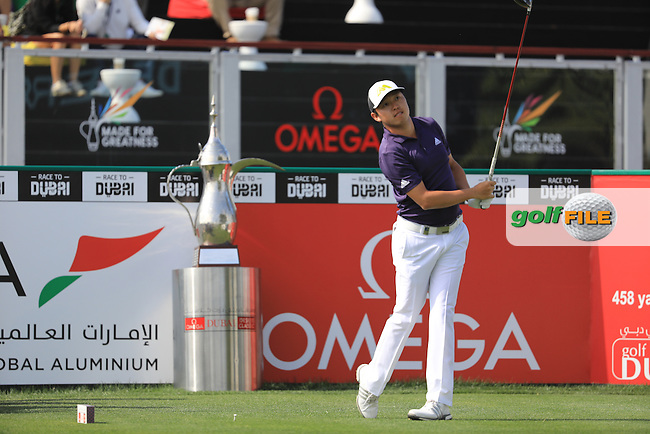David Lipsky (USA) on the 1st during the final round of the Omega Dubai Desert Classic, Emirates Golf Club, Dubai,  United Arab Emirates. 05/02/2017<br /> Picture: Golffile | Fran Caffrey<br /> <br /> <br /> All photo usage must carry mandatory copyright credit (&copy; Golffile | Fran Caffrey)