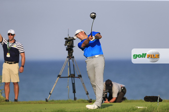 Jordan Spieth (USA) tees off the 18th tee during Sunday's Final Round of the 97th US PGA Championship 2015 held at Whistling Straits, Mosel, Kohler, Wisconsin, United States of America. 16/08/2015.<br /> Picture Eoin Clarke, www.golffile.ie