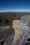 vue sur la vallée des Lagunillas depuis le col a 4300 m.Sierra del Cocuy