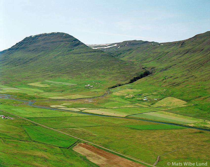 Gilsá I og II og Gullbrekka fjær, séð til suðvesturs, Saurbæjarhreppur /.Gilsa I and II, viewing southwest, Saurbaejarhreppur.