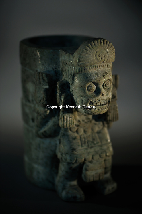 Greatest Aztecs, MM7677,  Mexico City, Mexico, Templo Mayor Museum,  Urna Furneraria texcatlipoca, Funerary urn