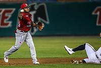 Acciones, durante juego de beisbol de la Liga Mexicana del Pacifico temporada 2017 2018. Tercer juego de la serie de playoffs entre Mayos de Navojoa vs Naranjeros. 04Enero2018. (Foto: Luis Gutierrez /NortePhoto.com)