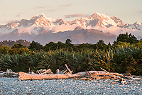 Sunset over Southern Alps from Gillespies Beach, Westland Tai Poutini National Park, West Coast, South Westland, UNESCO World Heritage Area, New Zealand, NZ