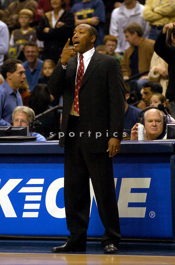 Johnny Davis during the Orlando Magic v. Indiana Pacers game on November 20, 2004...Magic win 86-83..Chris Bernacchi / SportPics