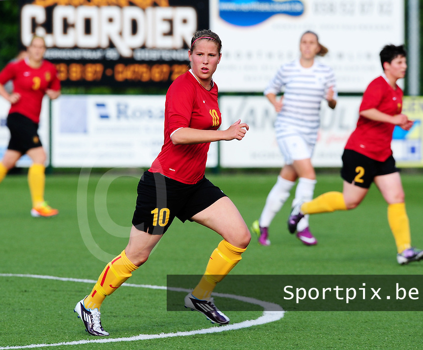 Vriendschappelijke interland vrouwenvoetbal : Belgium A - France A te Nieuwpoort ;..Lenie Onzia..foto DAVID CATRY / Vrouwenteam.be