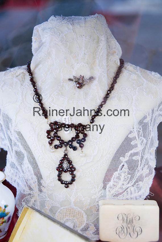HUN, Ungarn, Budapest, antiker Granatschmuck | HUN, Hungary, Budapest, antique garnet jewellery