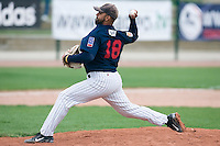 10 Aug 2007: Keino Perez pitches against Senart during game 1 of the french championship finals between Templiers (Senart) and Huskies (Rouen) in Chartres, France. Templiers beat Huskies 1-0.