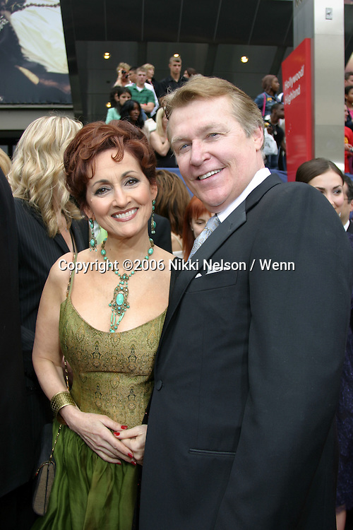 33rd Daytime Emmy Awards.Kodak Theater.Hollywood & Highland.Los Angeles, CA.April 28, 2006.©2006 Nikki Nelson / Wenn.