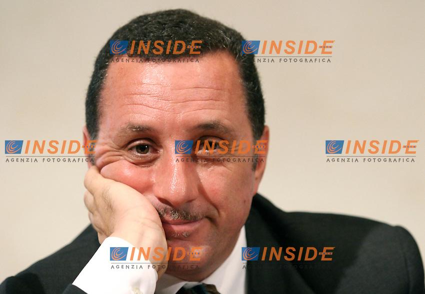 Roma 04-10-2006 Stampa Estera:Presentazione di 'Provviste' Ed. Formiche.<br /> Nella foto Antonio Polito<br /> Photo Serena Cremaschi Inside