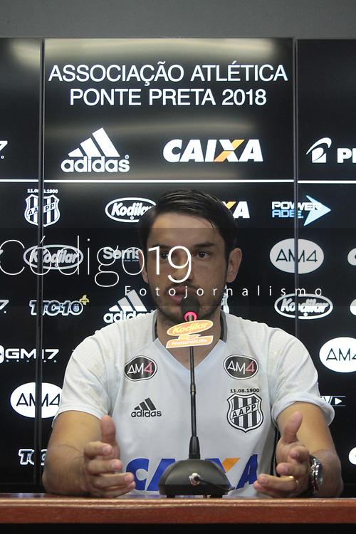 CAMPINAS, SP 08.01.2018-PONTE PRETA-Apresentacao do jogador Tiago Real na equipe da Ponte Preta, nesta manha no estadio Moises Lucarelli, na cidade de Campinas (SP). (Foto: Denny Cesare/Codigo19)