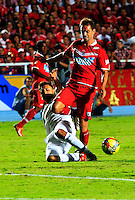 CALI -COLOMBIA-03-11-2013. Aspecto del encuentro entre America y Fortaleza del Torneo Postobón 2013-II Jugado en el estadio Pascual Guerrero en la cuidad Cali./ Aspect of match between America and  Fortaleza during Torneo Postobon 2013-II at the Pascual Guerrero Stadium in Cali city. Photo: VizzorImage/Juan C. Quintero/STR