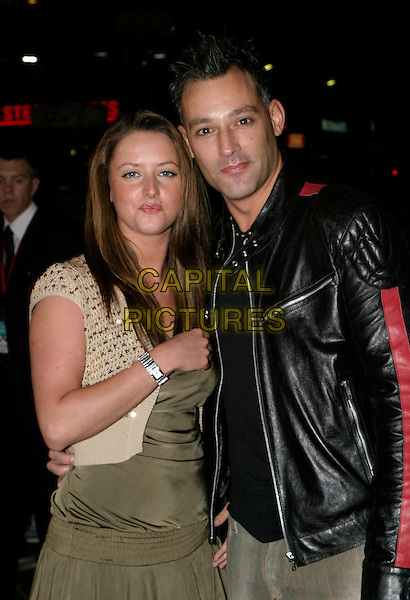 "HAYLEY EVETTS & TOBY ANSTIS.""In Her Shoes"" - UK film premiere, Empire Leicester Square, London, UK..November 7th, 2005.Ref: AH.half length black leather jacket.www.capitalpictures.com.sales@capitalpictures.com.© Capital Pictures."
